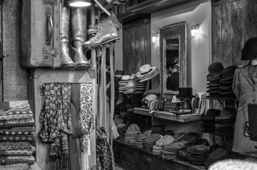 More old togs in dimly lit shop, 50mm, ISO 6400