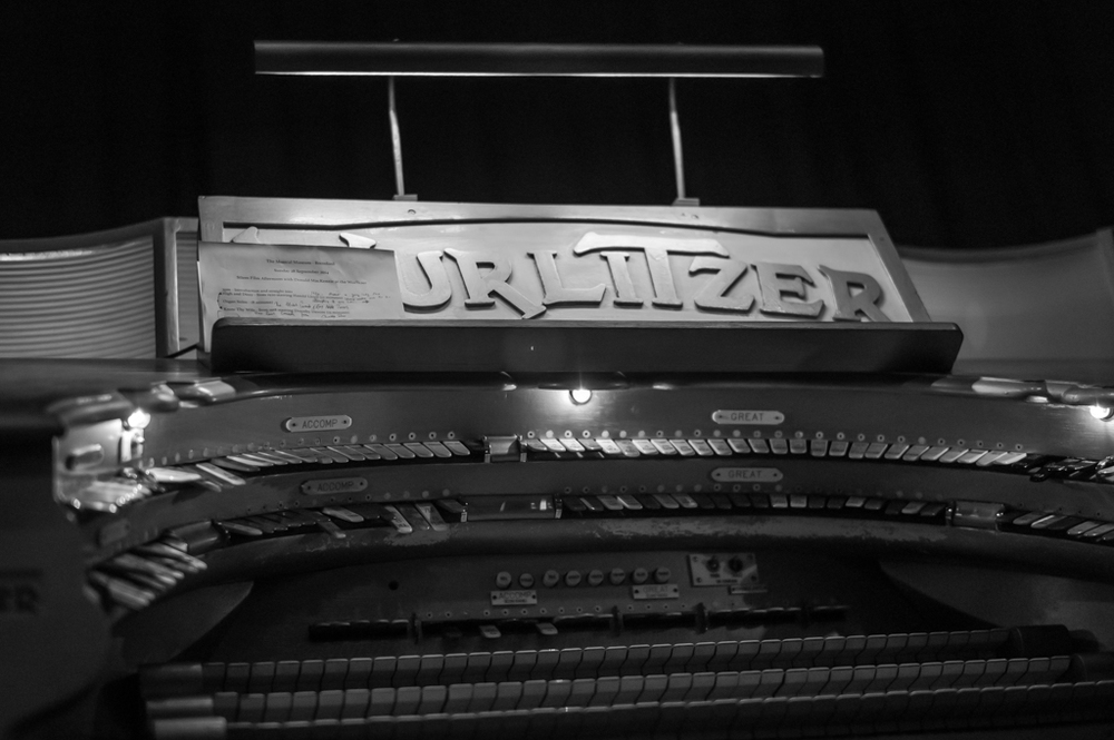 Before the Leica T everything had buttons. The complexity of the Mighty Wurlitzer, f/2 at 1/1000s, ISO 1250