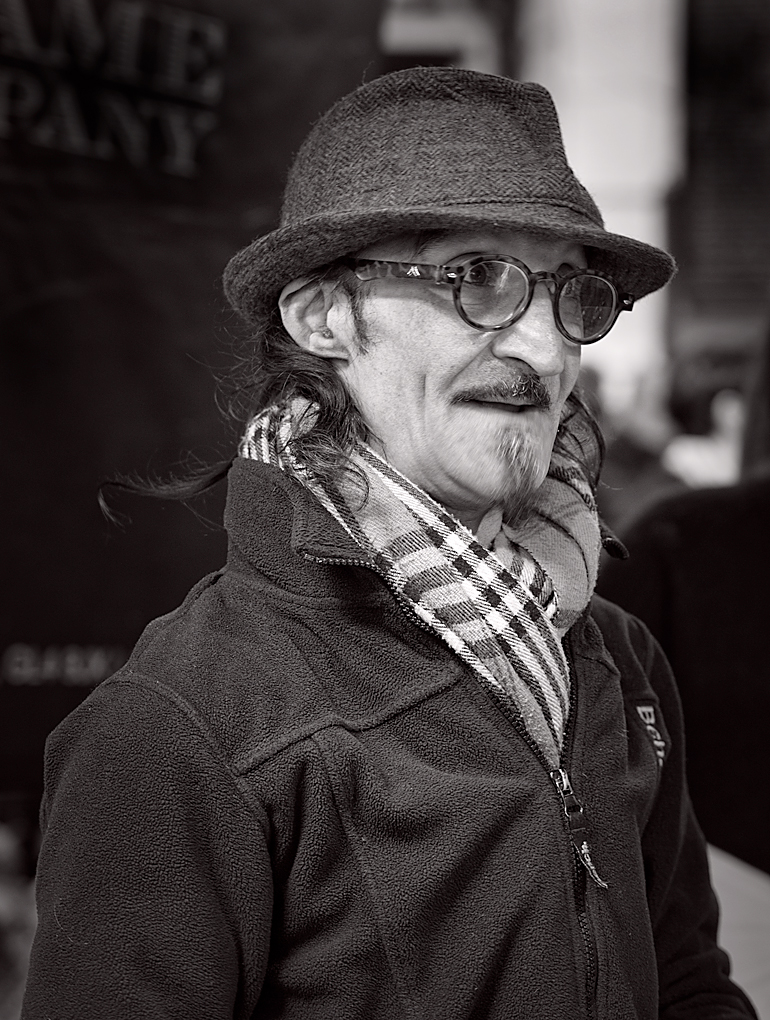 Borough Market Trader: A magnificent off-the-cuff portrait by George James (Leica M-P and 50mm Apo-Summicron)