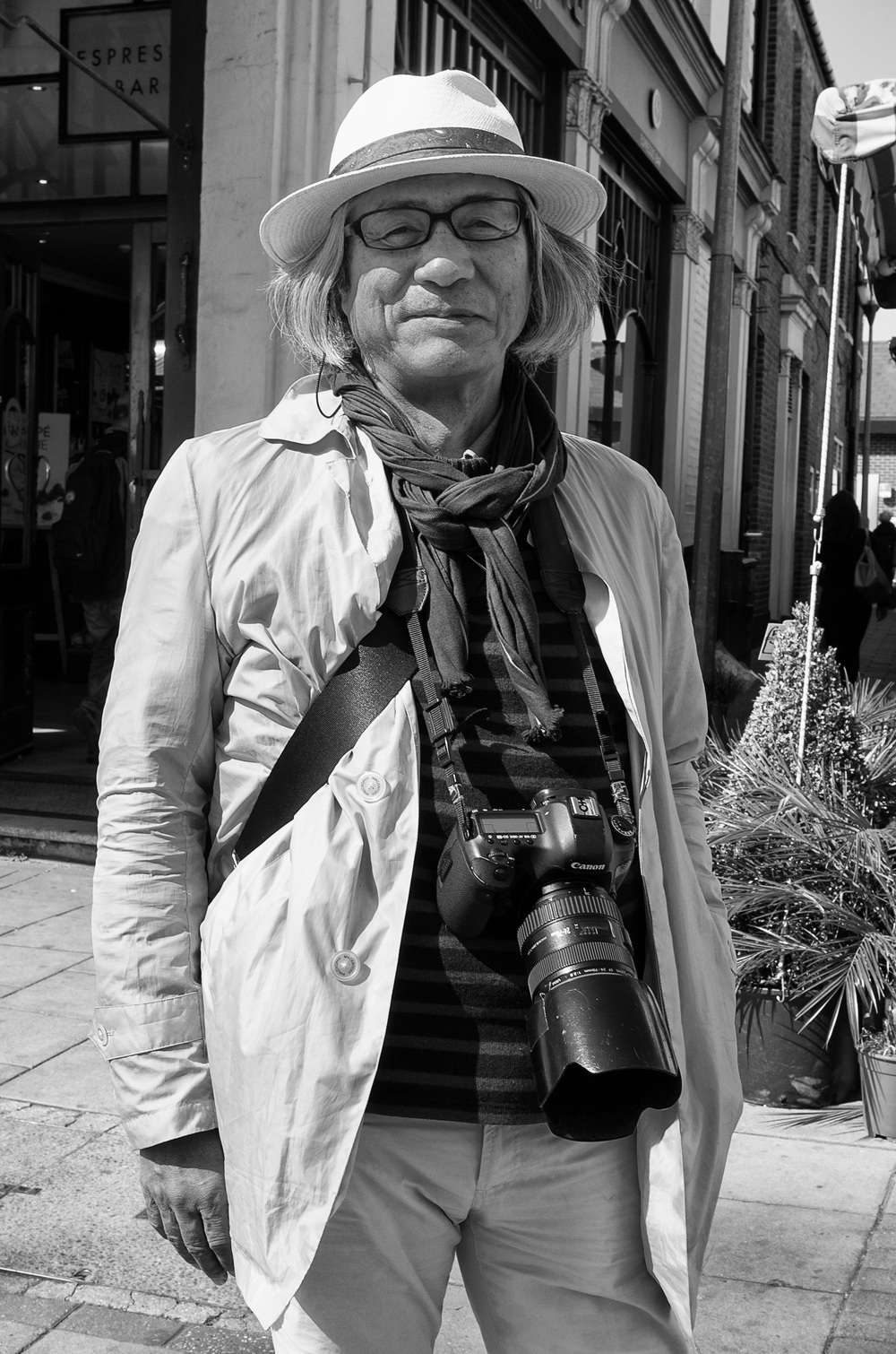 This impressive gentleman is a true camera buff, owner of several Leicas in addition to his Canon workhorse, and loving every minute of his travel to furthest Chiswick