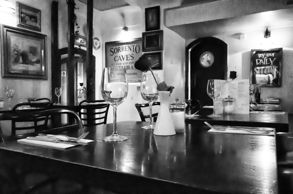 Amalfi restaurant, Soho:ISO 25600: f/11 @ 1/125s