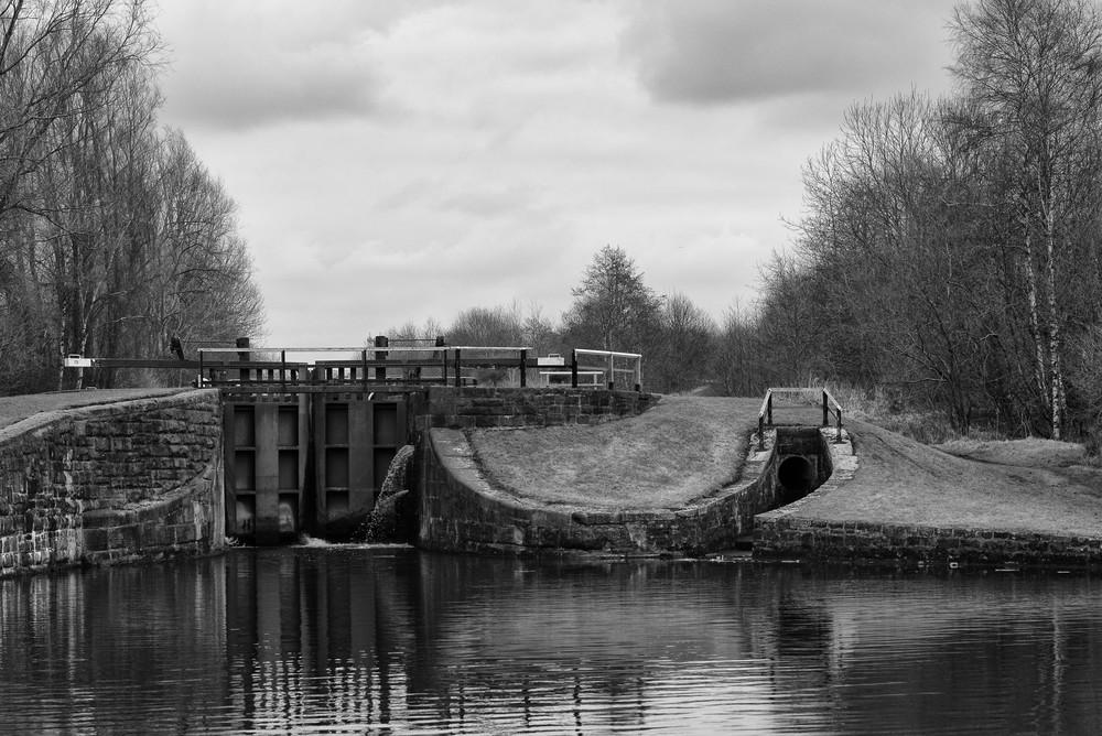 Lock No.72 at Ince, near Wigan Pier. M-P, f/5.6 at 1/250s, ISO200 ©Mike Evans