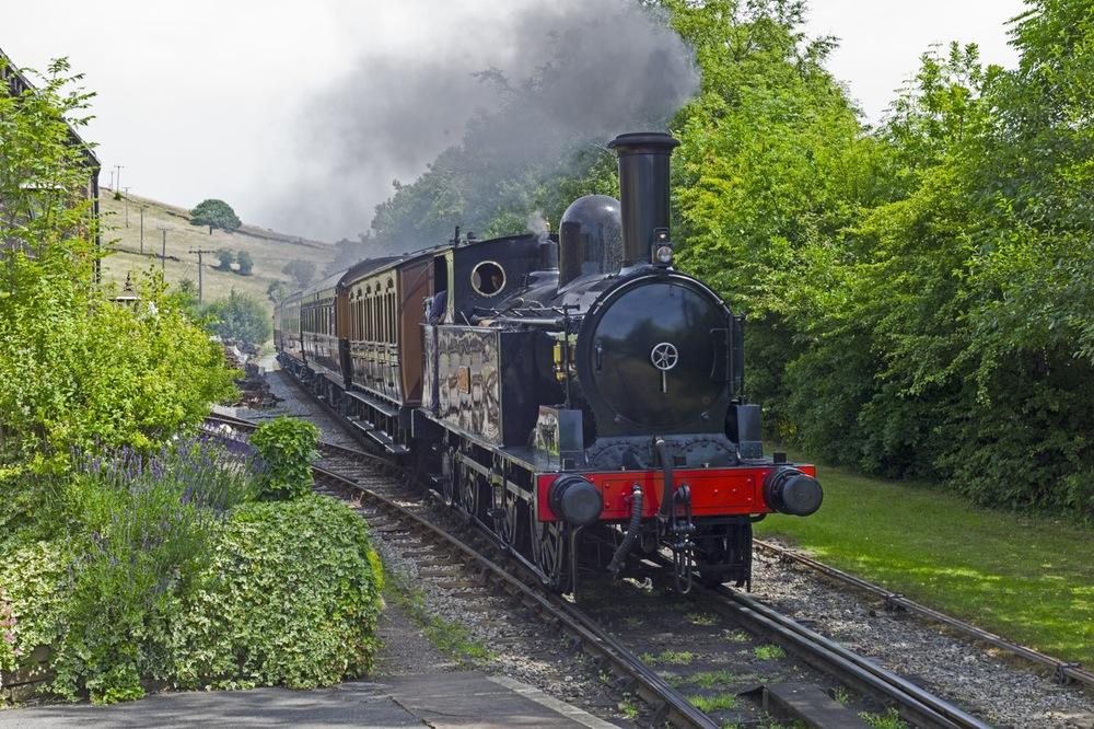 1905 locomotive at Oakworth, M9 at ISO 160 ©Brian Bower FRPS