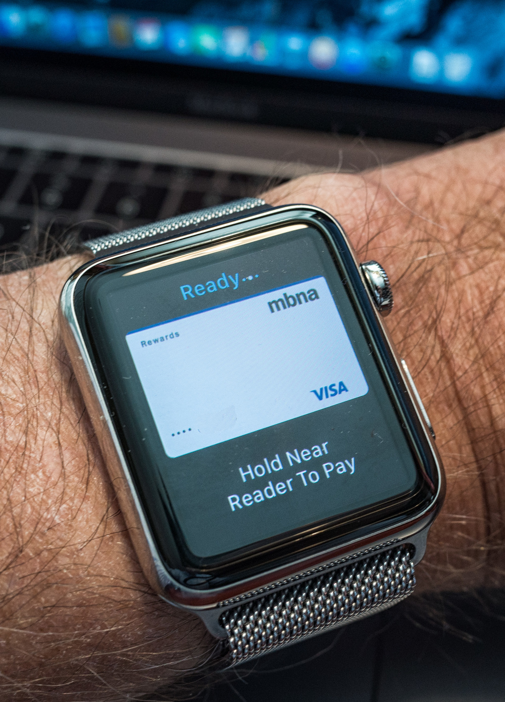Paying for a MacBook with Apple Pay and Watch