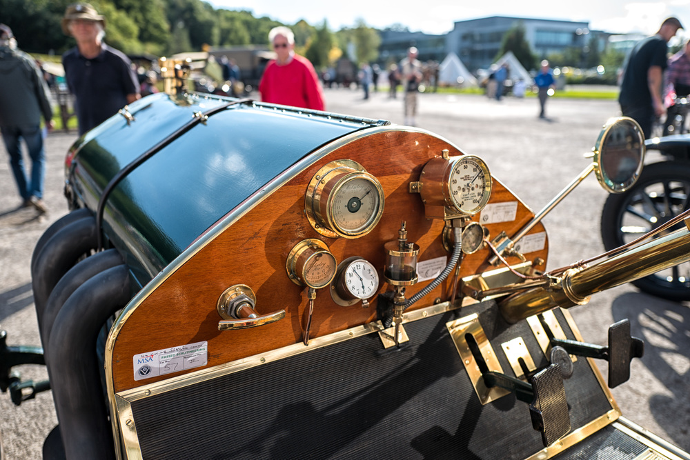 "Them were t'days when analogue instruments ruled supreme. Here is the ""cockpit"" of the 1907 Wolseley-Siddeley Coppa Florio racer—a car built and raced the year that Brooklands opened for business. Not a trace of a Rolex watch, nor a rocket boost switch. Parachutes also not in evidence."