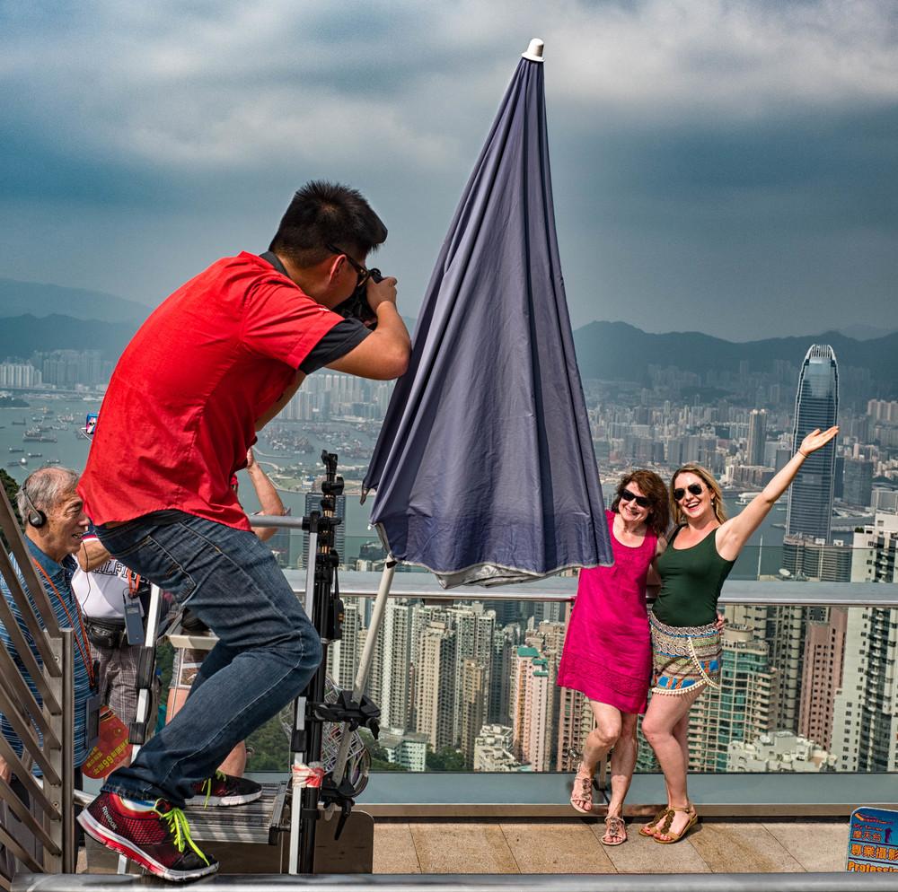 Peak photographic thrills overlooking the city