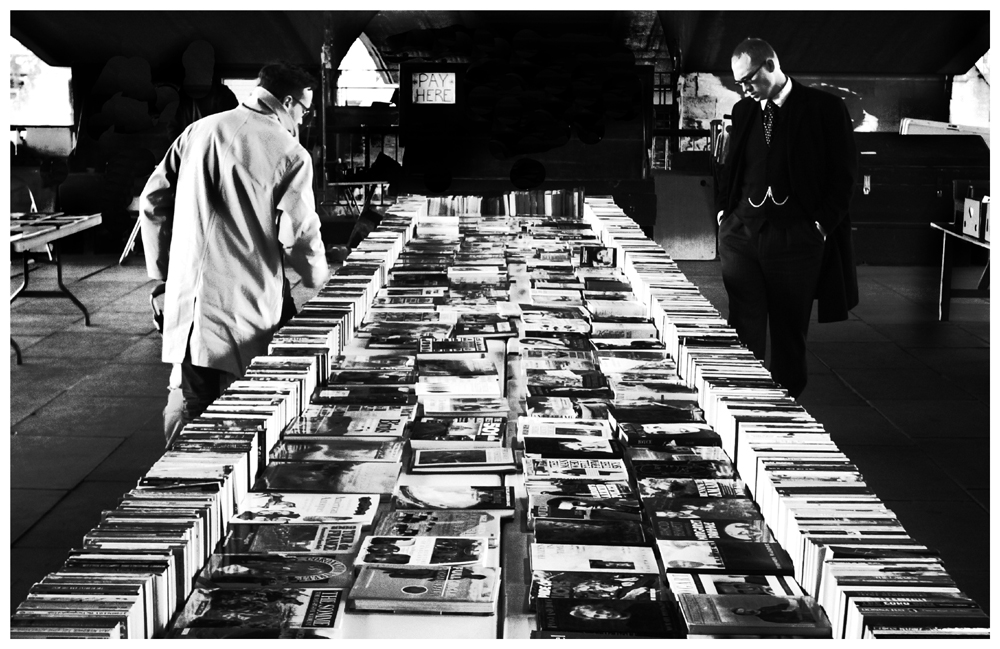 Ricoh GR: Duelling bibliophiles