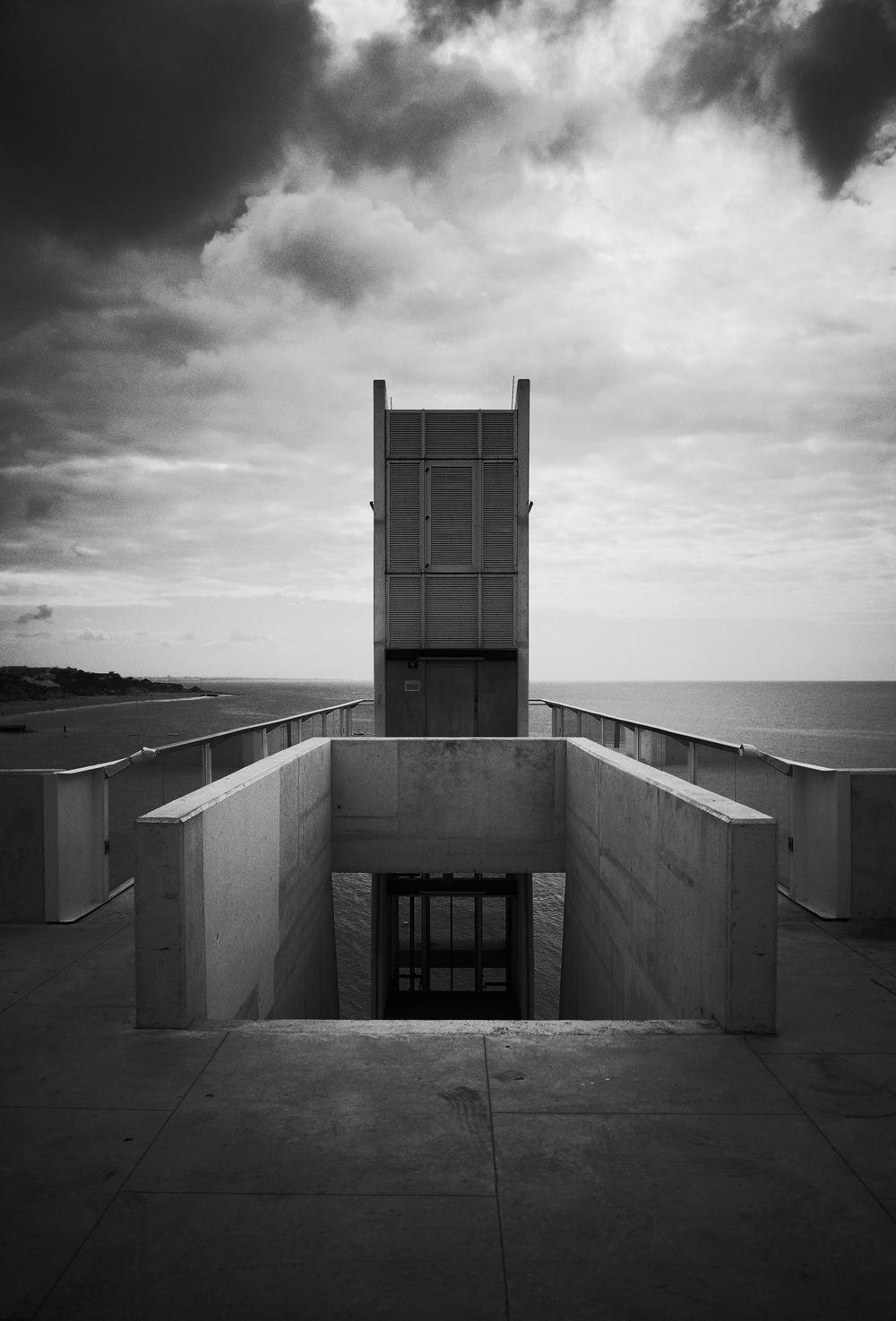 Ricoh GR: Albufeira beach lift