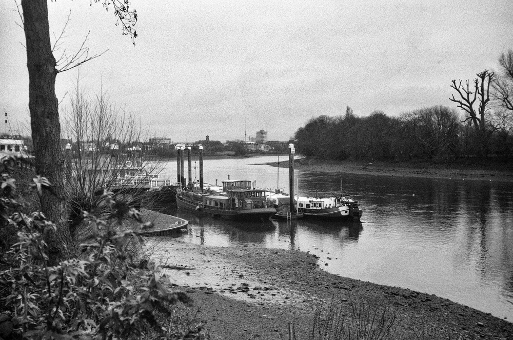 Landscape with the Leica I: The River Thames at Corney Reach, January 1930