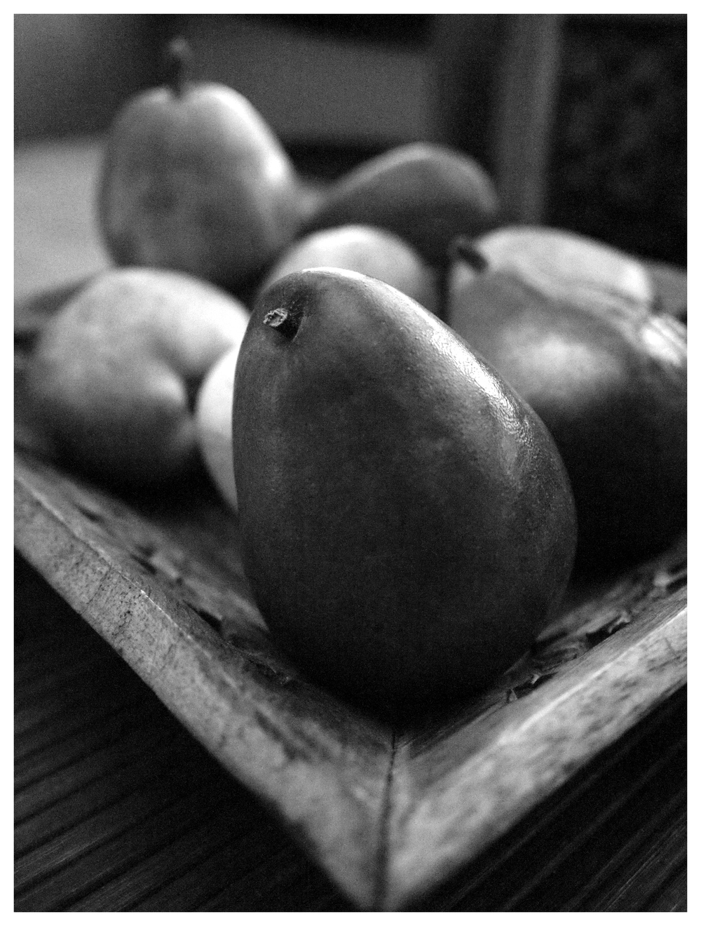 Mono and macro apples and pears (Bill Palmer, Olympus EP1)