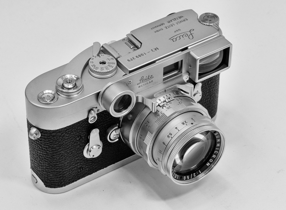 As-new 1963 M3 with dual-range Summicron and specs. But this isn't the lens that caused all the fuss
