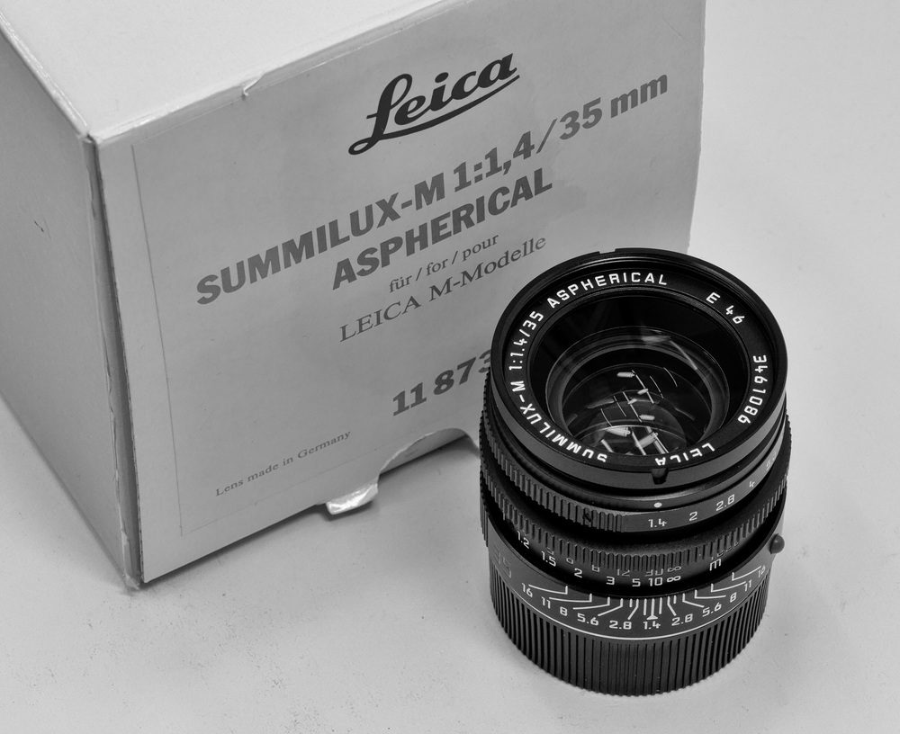 Pièce de résistance: An rare 35mm Summilux Aspherical. Only one has been seen before at Red Dot Cameras—and that was sold in haste, repented at leisure. Lesson learned.