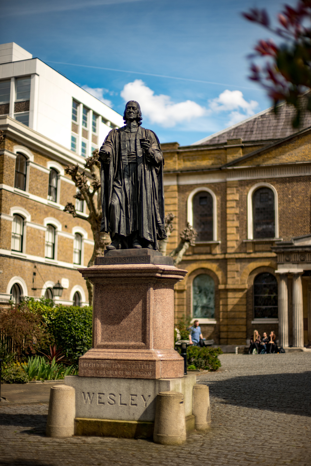 Architecture wide open on the Noctilux? It's not something normally to be recommended. But the lens acquitted itself remarkably well, offering an impressive 3D effect. John Wesley stands in front of his chapel, just across the road from Bunhill Fields, taken at 1/6400s, ISO50 and f/0.95. This is a good example of a shot that would have been impossible on the M without the use of an ND filter.