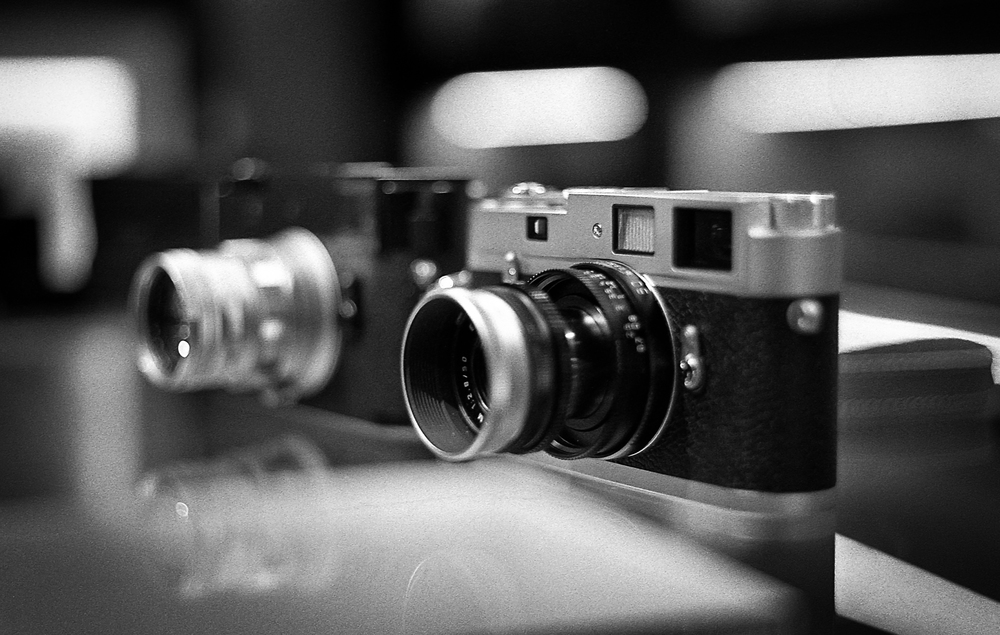 Leica M-D with 1963 50mm rigid Summicron f/2 and Leica M-A with 50mm f/2.8 Elmar-M. This shot taken by Adam with his M3 double-stroke and 50mm dual-range Summicron
