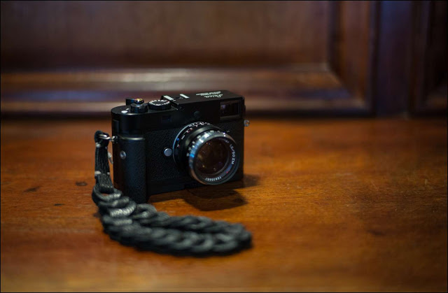 M-D with 50mm f/1.5 Zeiss (Nick de Marco)
