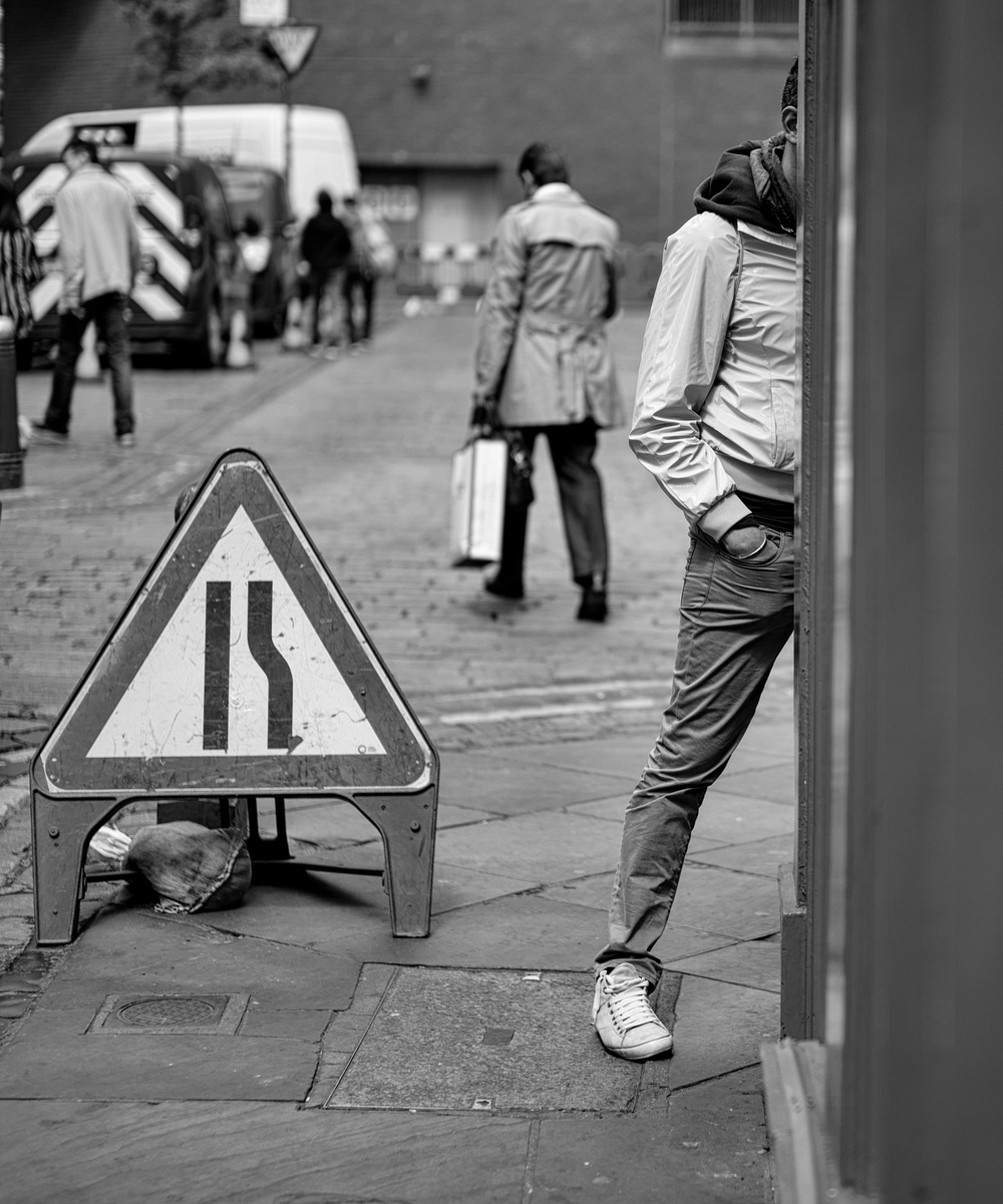 Seven legs in Soho: Leica SL and Leica 50mm Summilux-M ASPH at f/2