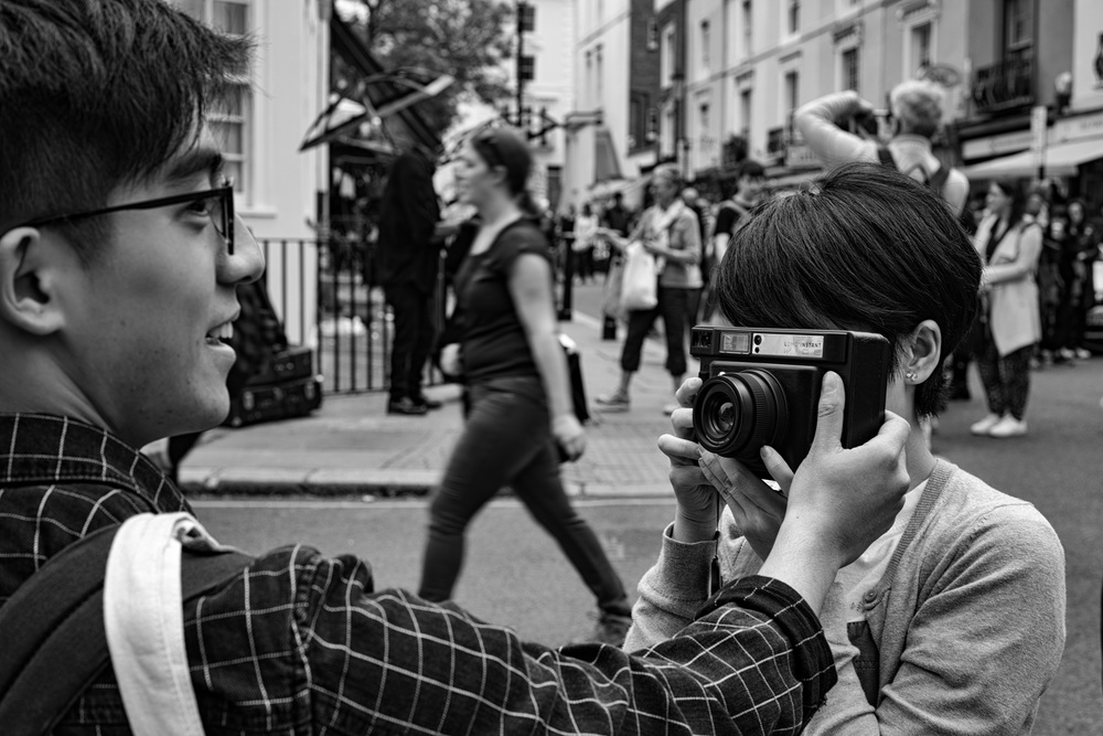 Lomo selfies in Portobello Road:Leica SL and 50mm Zeiss Sonnar f/1.5 at f/5.6
