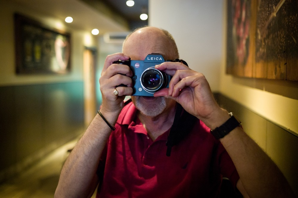 Mike with the Leica SL and Zeiss Sonnar (Photo Steven Kwan, M9)
