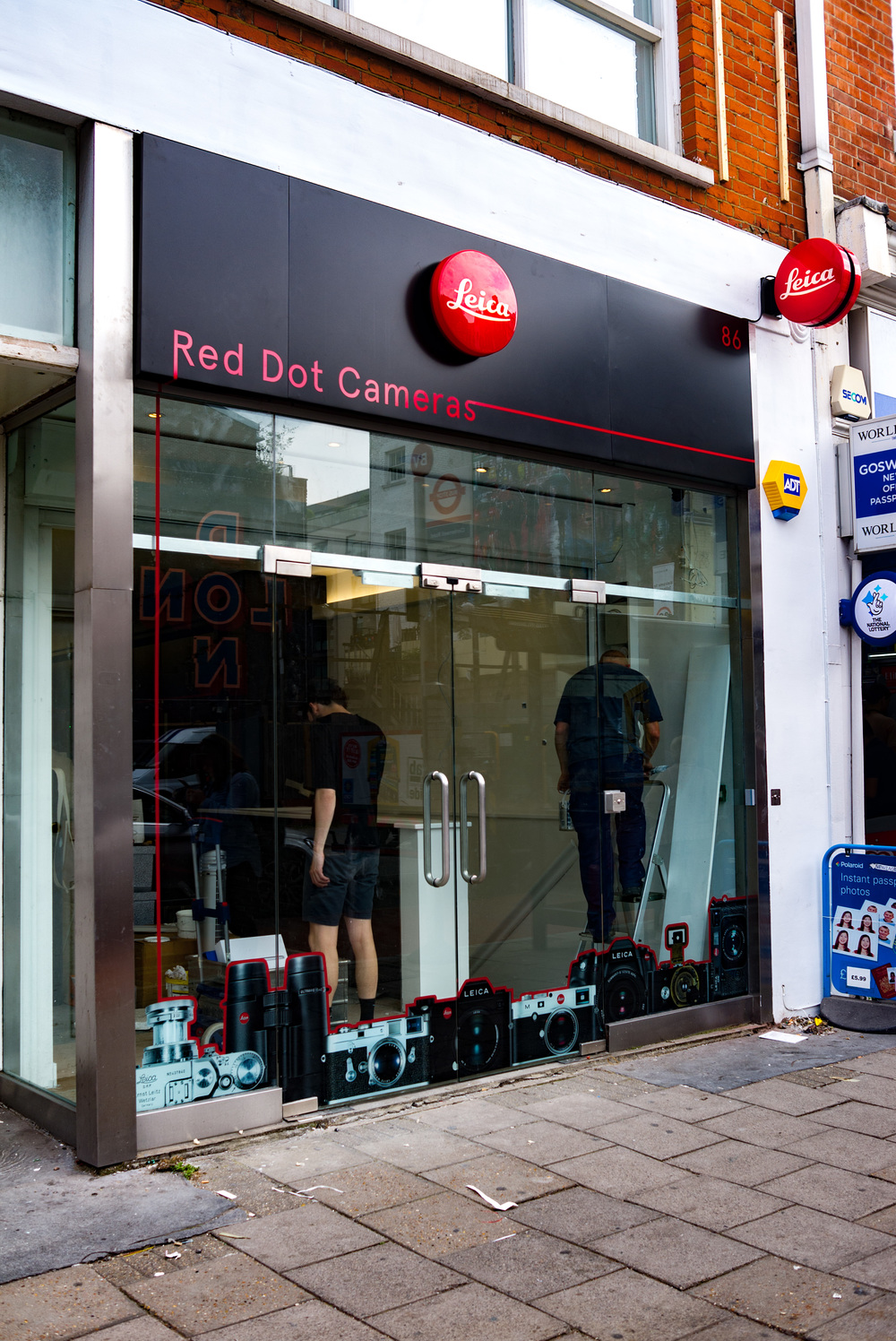 New store front with smart graphics and a strong Leica branding