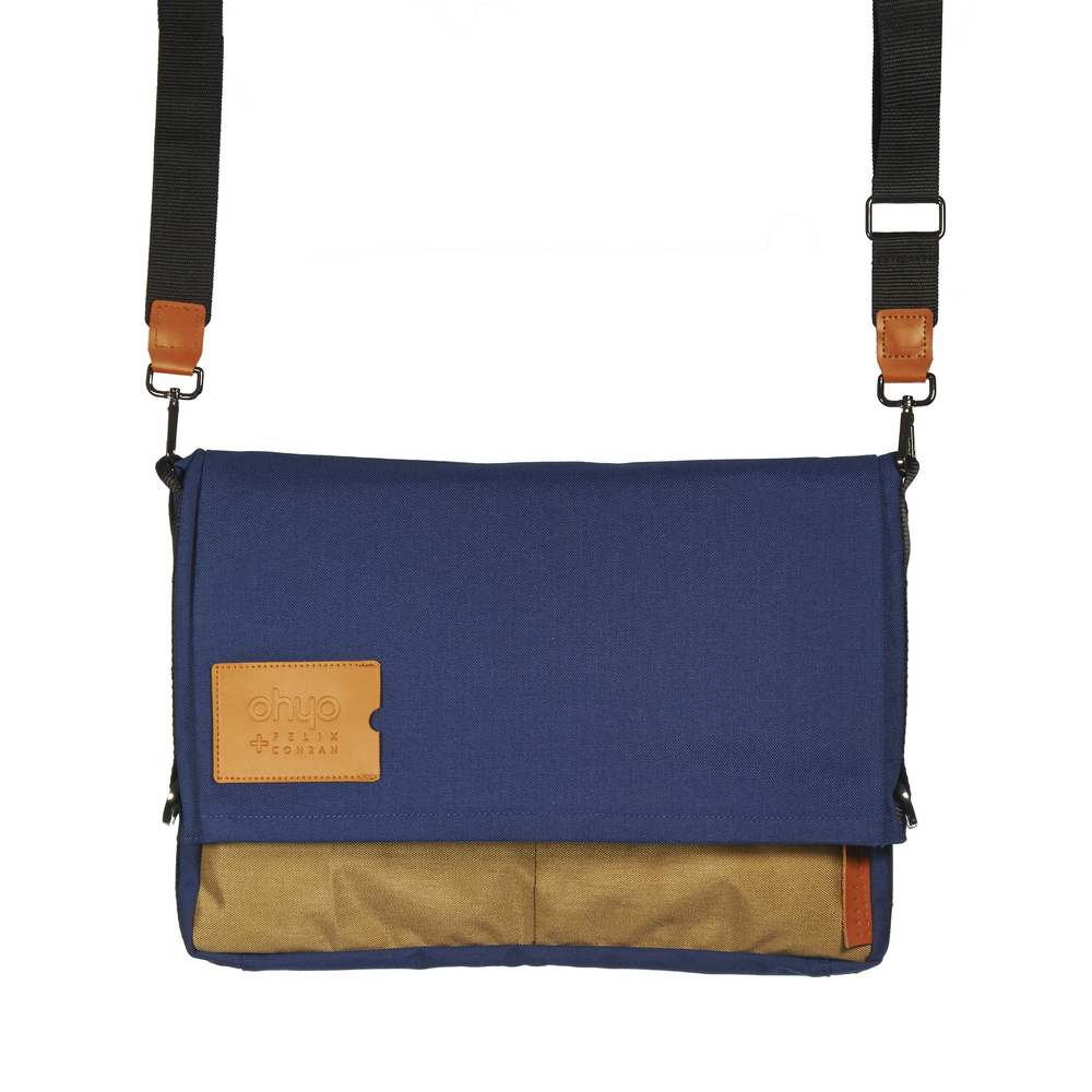 Ohyo bag, blue, in messenger configuration