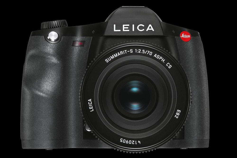 Enough to make Ernst Stavro Blofeld blanch: The Leica S 007 gets a firmware update