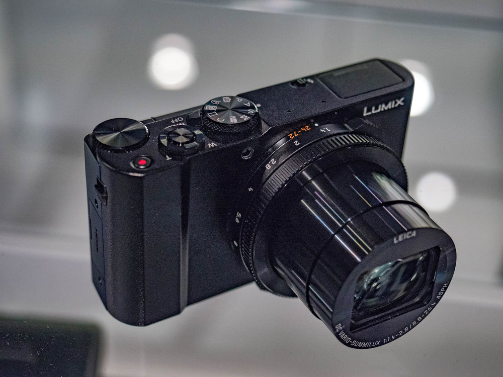 Panasonic's new smaller sister to the LX100, the LX15 with Leica DC Vario-Summilux lens