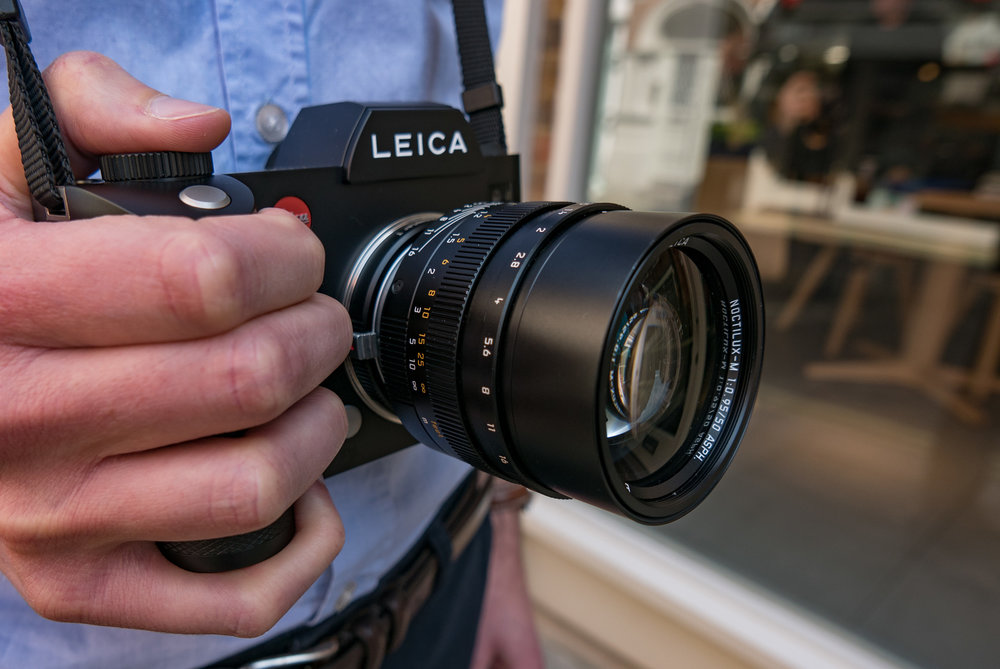 Mike finds the Noctilux easier to handle and focus on the Leica SL