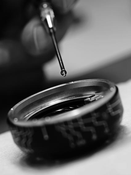 Leica Noctilux manufacturing 6.jpg