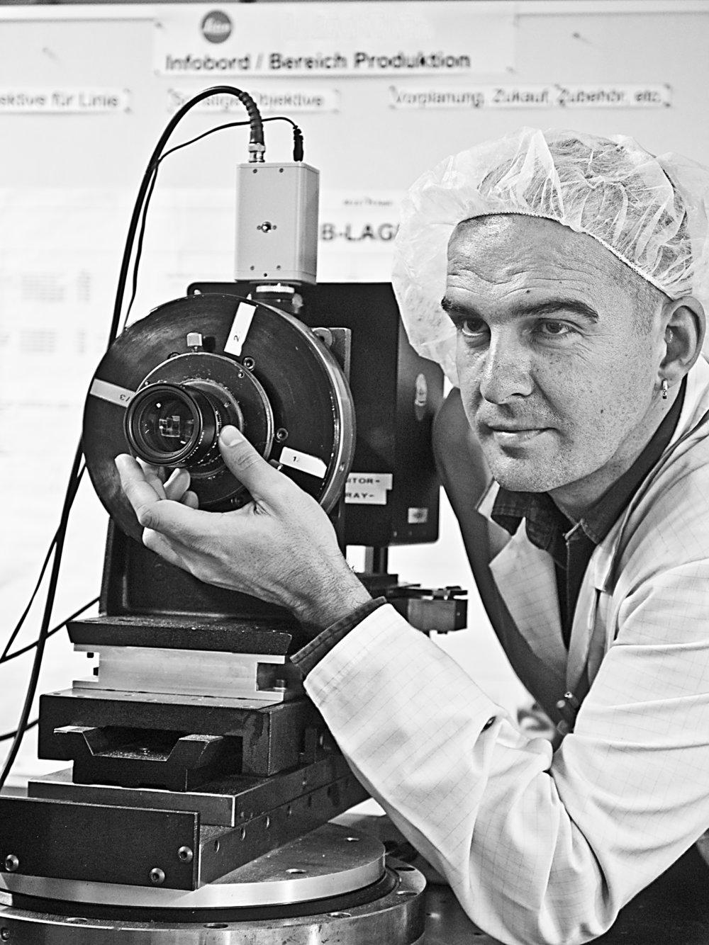 Leica Noctilux manufacturing 7.jpg