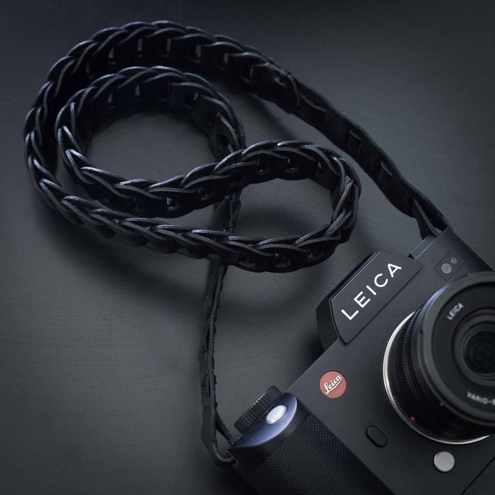 The TieHerUp Rock 'n Roll strap is an ideal complement to the Leica SL