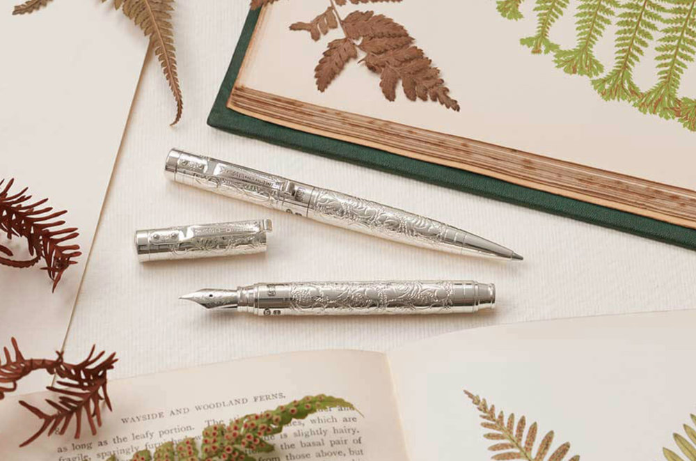 Perfecta Victorian pencil (£375) and matching Viceroy Grand fountain pen (£675)