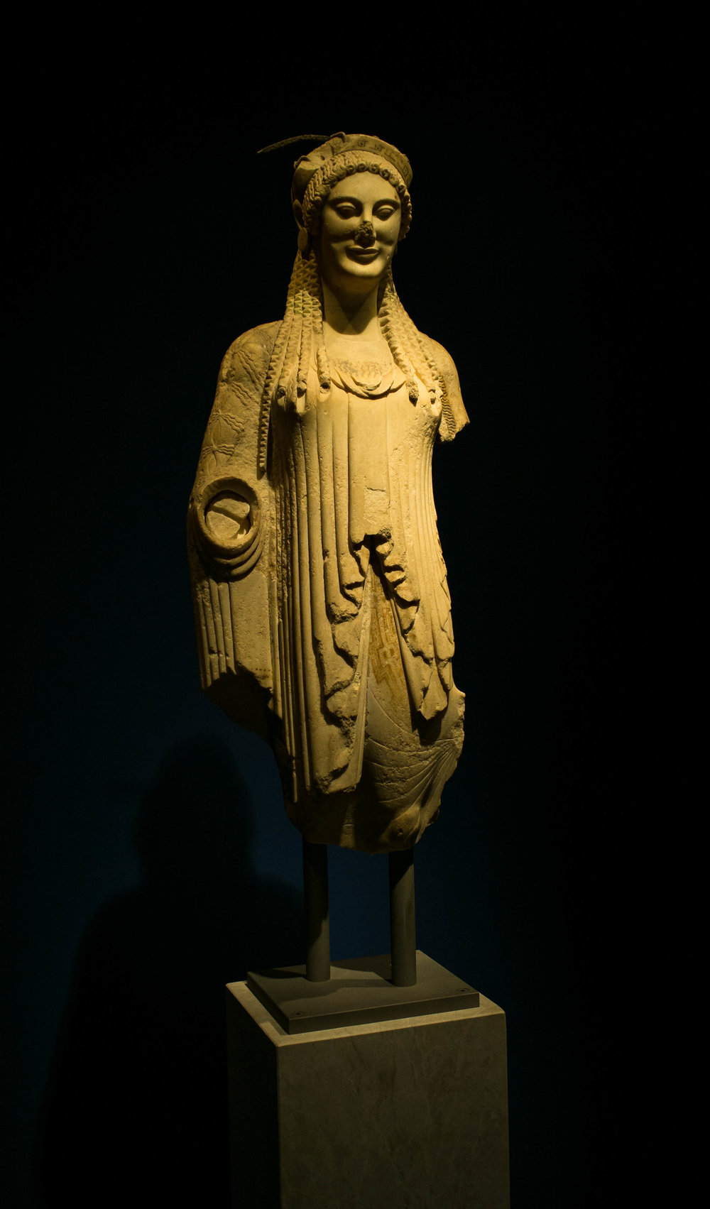 09 AWOG 2014 Female Statue National Archaeological Museum Athens.jpg