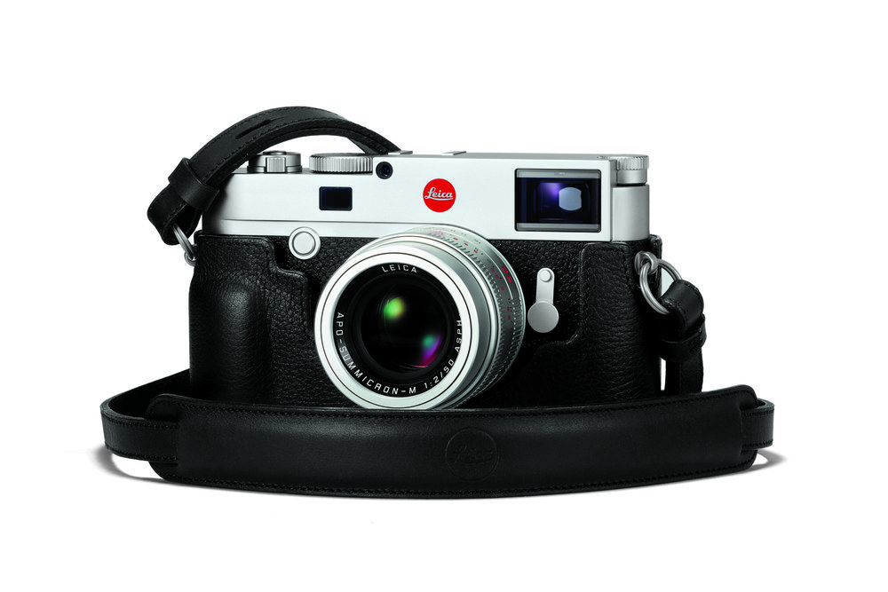 The Leica protector case is undeniably attractive and you can also buy matching neck straps