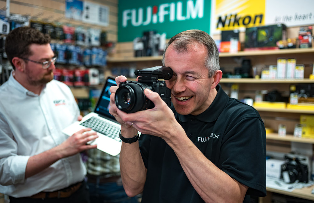 Andy Sands at Chiswick Camera Centre gets his hands on the new Fuji GFX. Leica 35mm Summilux-M