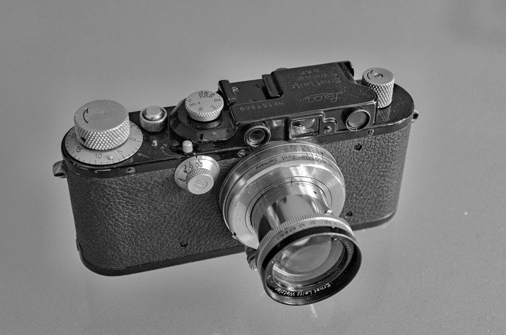 Mike's mid-1930s Leica III in black paint on nickel together with a contemporary nickel 5cm Summar f/2, a very fast lens for its day. This model with the black rim is a target for collectors. When this camera and lens were produced, however, black paint and nickel was the starter model and the chrome finish cost extra. While a black paint screw-mount camera tends to be more desirable, any premium is modest compared with that for post-1953 black-paint Ms.