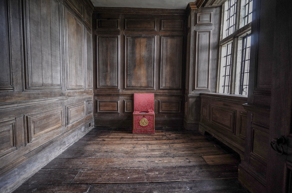 The throne room at Avebury Manor. A focal length of 11mm creates an illusion of space in the smallest room at the Manor