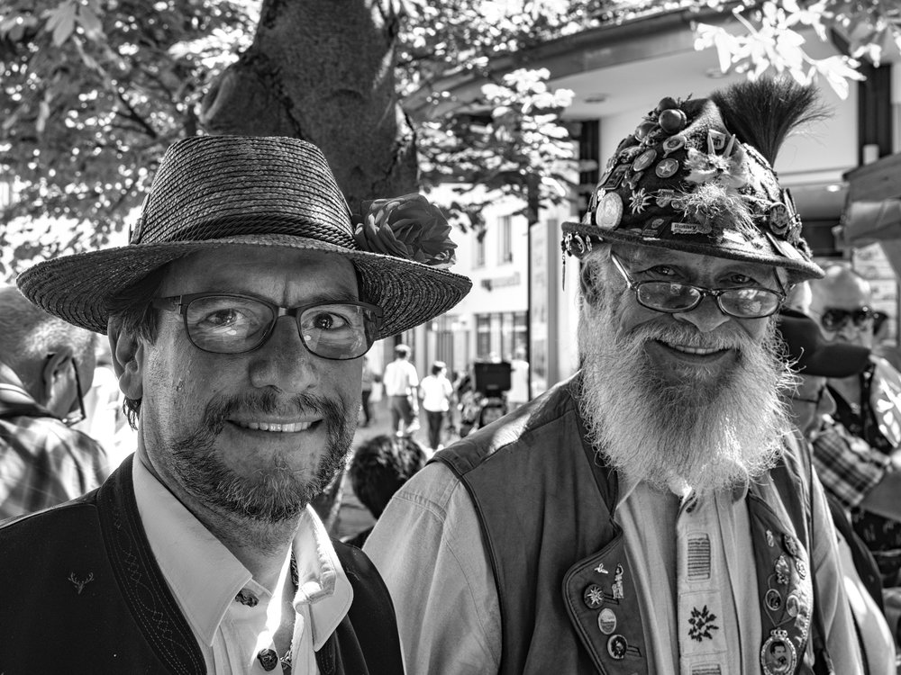 Old traditionalist that I am, all my photographs are processed using the desktop MacOS platform. I can't get to grips with the iPad — but others can, without a doubt. Indeed, I imagine the Bavarian gent on the right is the sort of cooler Typ who would have an iPad stashed in voluminous Lederhosen pockets