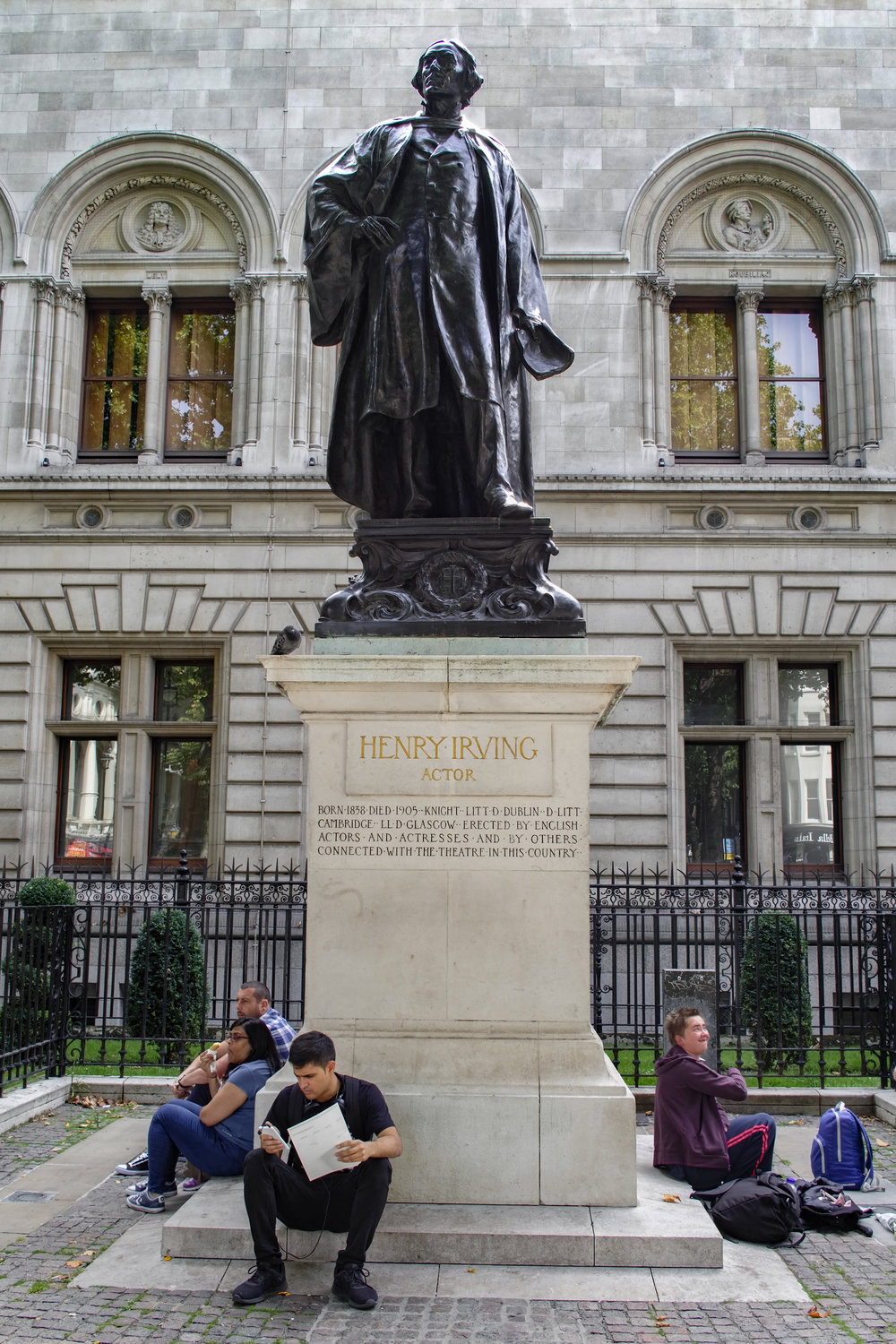All the world's a stage — Sir Henry Irving and the Leica TL2 with 23mm Summicron