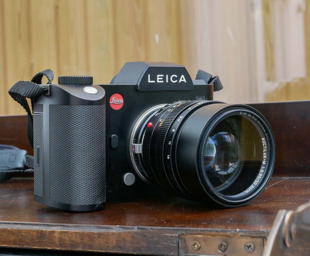 The Noctilux-M perfectly matches the SL body. Only Leica Anoraks would realise it isn't a native lens. And the Nocti is perhaps at its best when combined with this camera and its magnificent 4.4MP viewfinder — focusing the 'Lust has never been easy but it just became a whole lot easier