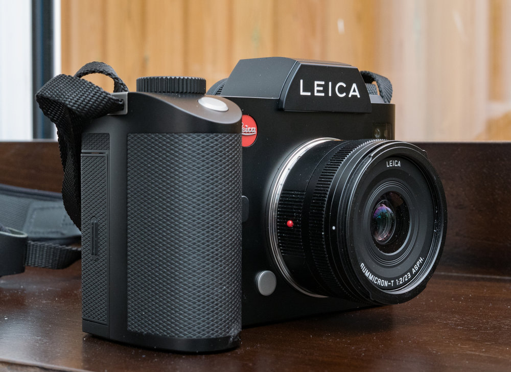 The SL accepts all crop-frame TL lenses intended for the TL system, including the light and compact 23mm f/2 Summicron. The major snag is that this lens, while retaining the 35mm effective focal length as when used on the TL, addresses just the centre of the full-frame sensor, a measly 10.33MP. But is the convenience and compact form of these autofocus TL lenses worth the trade off? (Excuse the dust in this picture, careless of me)