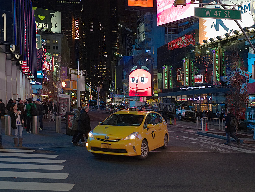 Taxi on West 42nd Street (X-T10 and 23mm)