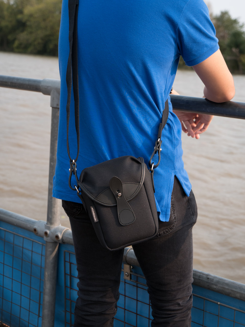 The Billingham 72 is a simple, single-purpose bag focused on fixed-lens compacts and smaller system cameras