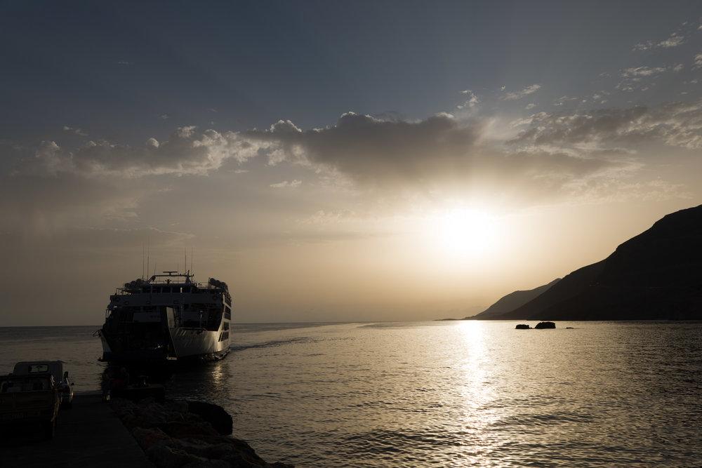 Daskogiannis, named after the Cretan freedom fighter, departs: 18mm Elmarit