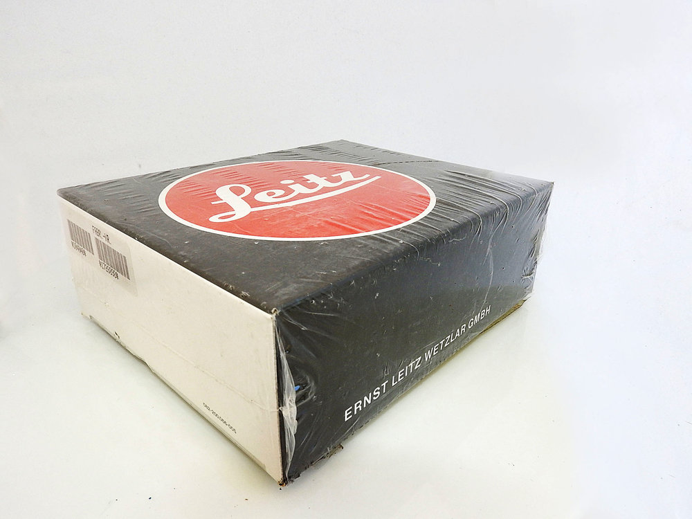 The auction includes two boxed and unused Leica M6 models
