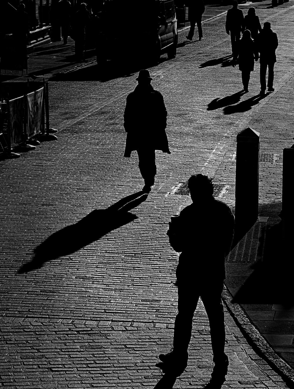 Out of the shadows   - An introvert's guide to street togging