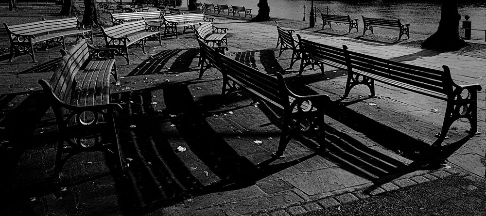 Benches: X-T2 and 16mm f/1.4