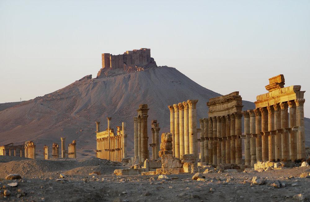 12 Going East Syria 09 Fakhredine's Castle over Palmyra.jpg