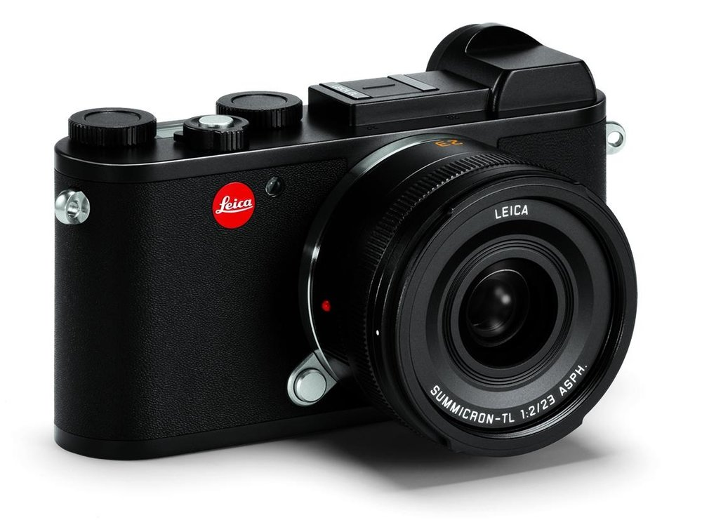 For many, the design of the CL takes us right back to the Leica III, one of the prettiest cameras ever made. It is compact and convenient, especially with this 23mm Summicron or the even smaller 18mm Elmarit-TL (Image Leica Camera AG)