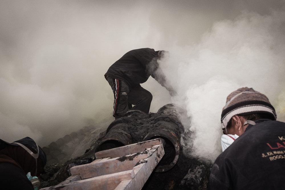 Sulfur mining (Image Sebastian Jacobitz)