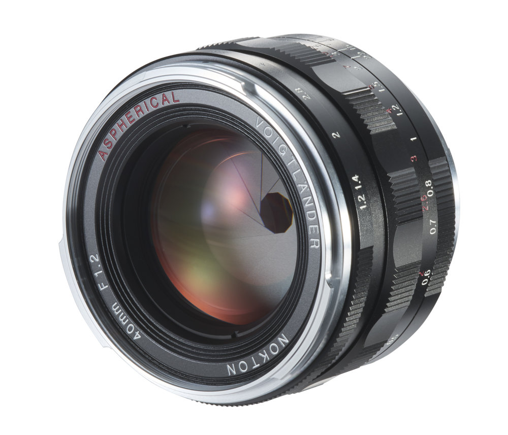 40mm_ F1_2_Nokton_VM_asphaerisch_liegend.jpg